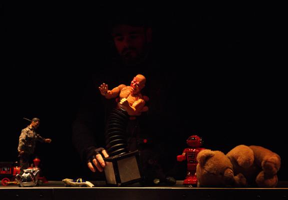 Le Petit soldat - Teatro de Ferro